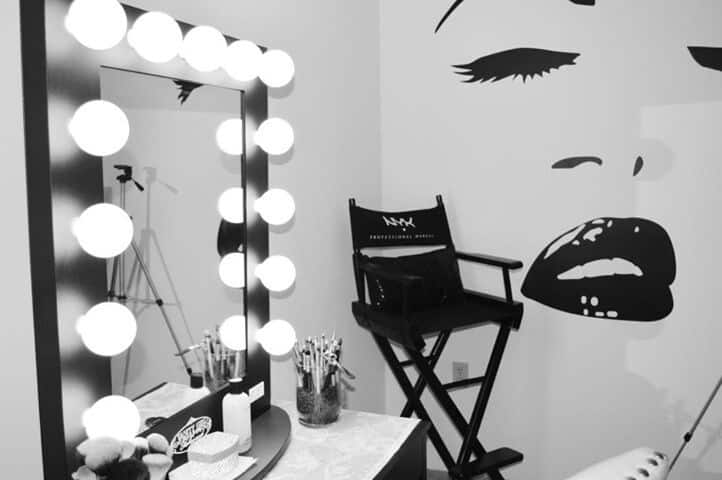 Best Lighted Makeup Mirror Buying Guide